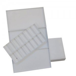 Refillable metallic box for watercolor